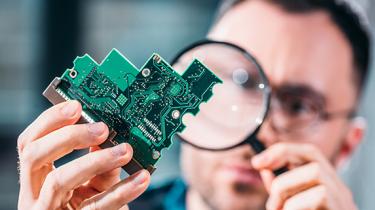 Qualidade acima de tudo! Como a KRAH se tornou especialista em componentes eletrônicos.